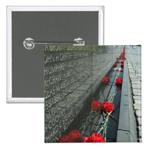 Pared del monumento de los veteranos de Vietnam Pin Cuadrado