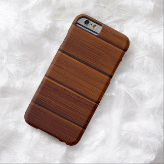 Pared hecha de tablones de madera viejos - Brown Funda De iPhone 6 Barely There