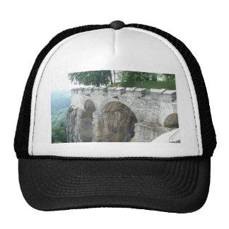 pared histórica gorras de camionero