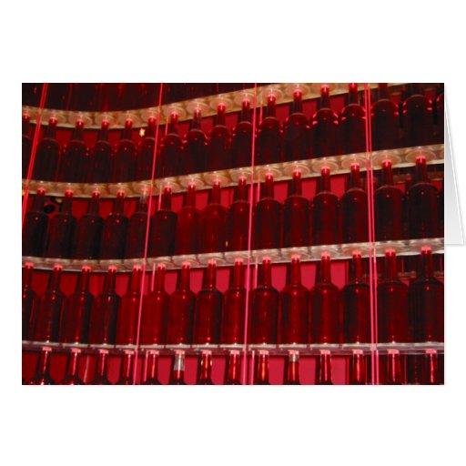 pared roja de la botella tarjeta de felicitación