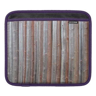 Pared vieja del granero del tablón fundas para iPads