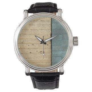 paredes bricked relojes