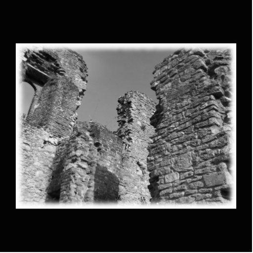 Paredes de piedra y cielo viejos imán fotoescultura