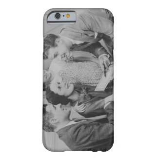 Parents and daughter (6-7) talking with male barely there iPhone 6 case