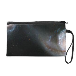 Pares Arp 87 de la galaxia que obran recíprocament