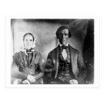 Pares asentados 1840 del hombre y de la mujer postal