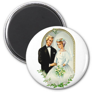Pares casados retros de la boda 60s del vintage imán redondo 5 cm
