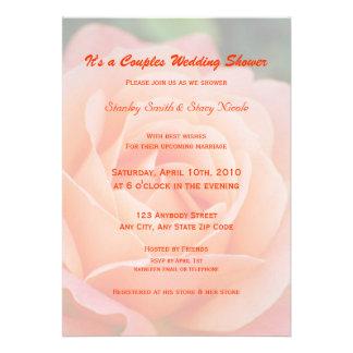 Pares color de rosa anaranjados que casan la invit invitaciones personales