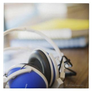 Pares de auriculares azulejo cuadrado grande