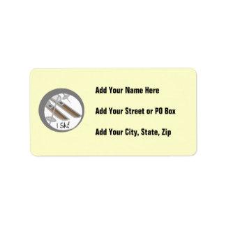 Pares de camisetas y de regalos del esquí de los e etiquetas de dirección