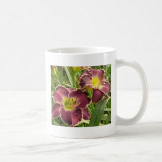 Pares de Daylilies púrpuras Tazas De Café