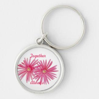 Pares de flores rosadas de la margarita llavero personalizado