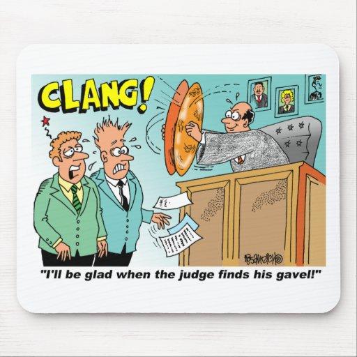 Pares de golpeo del juez de platillos en banco alfombrillas de ratón
