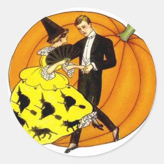 Pares de Halloween del baile Pegatina Redonda