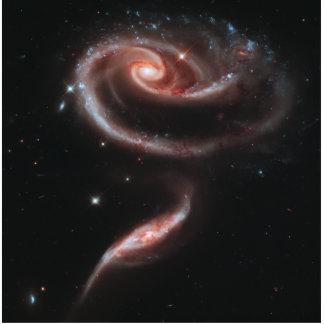 Pares de la galaxia del Arp 273 (telescopio de Hub Fotoescultura Vertical