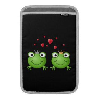 Pares de la rana con los corazones fundas macbook air