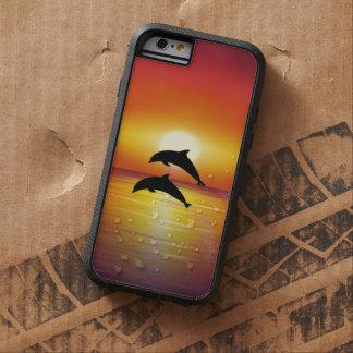 Pares de los delfínes de la puesta del sol del funda tough xtreme iPhone 6