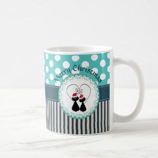 Pares de moda lindos del gato del navidad del taza clásica