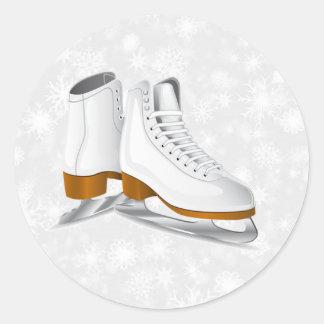 pares de patines de hielo blancos pegatina redonda