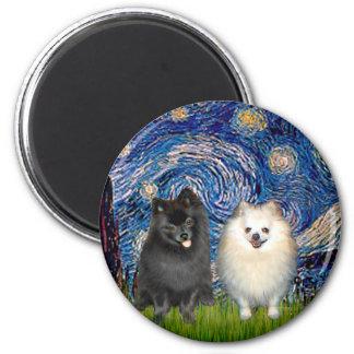 Pares de Pomeranian (B+W) - noche estrellada Imán Redondo 5 Cm