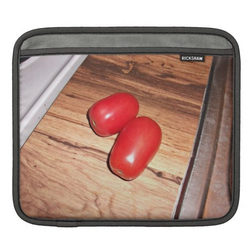 Pares de tomates en la tabla manga de iPad