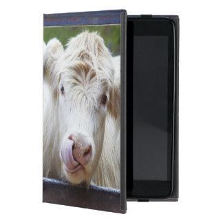 Pares de vacas blancas jovenes en el remolque de iPad mini fundas
