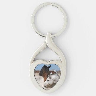 Pares del caballo llavero plateado en forma de corazón
