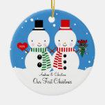 Pares del muñeco de nieve nuestro primer ornamento adornos