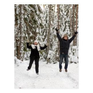Pares en bosque tarjeta postal