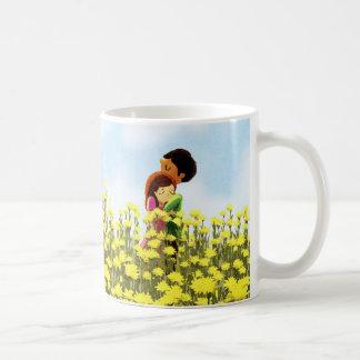 "Pares en campo de flor - ""abrace la guerra de o "" taza de café"