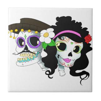 Pares festivos mexicanos del cráneo azulejo cuadrado pequeño