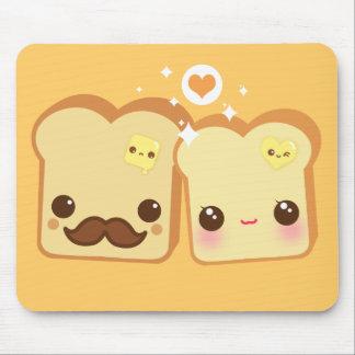 Pares lindos de las tostadas de Kawaii Tapetes De Ratón