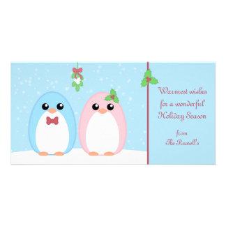 Pares lindos del pingüino del día de fiesta tarjeta personal