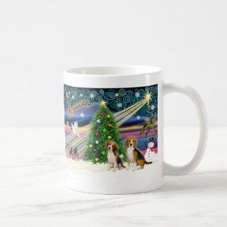 Pares mágicos del beagle de Navidad Taza De Café