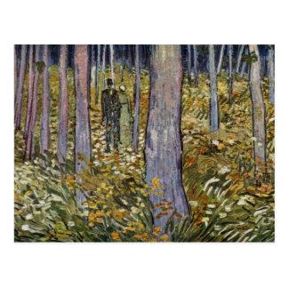 Pares que caminan en el bosque de Vincent van Gogh Tarjetas Postales