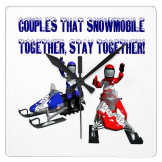 Pares que Snowmobile juntos Relojes De Pared