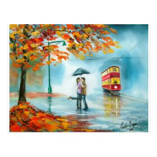 Pares románticos del paraguas rojo de la tranvía tarjetas postales
