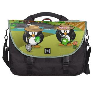 Pares vegetales adorables del pingüino del jardine bolsas para ordenador