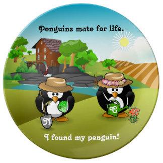 Pares vegetales adorables del pingüino del platos de cerámica