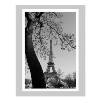 París en b&w tarjeta postal