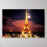 París en la noche posters