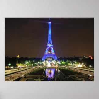 París, Francia - Eiffel en la noche Posters