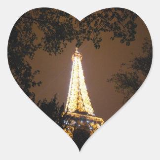 París, Francia - torre Eiffel en la noche Pegatina En Forma De Corazón