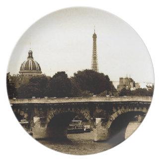 Paris on the Square Plate