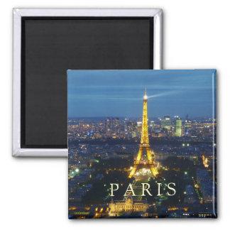 París por el imán de la noche