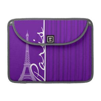 París; Rayas verticales violetas oscuras Fundas Para Macbooks