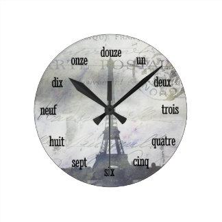 París texturizada en reloj de pared de la lavanda