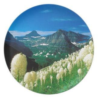 Park The Highline Trail Glacier Montana Party Plates