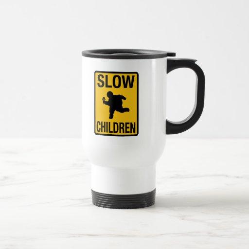 Parodia gorda de la placa de calle del niño de los taza