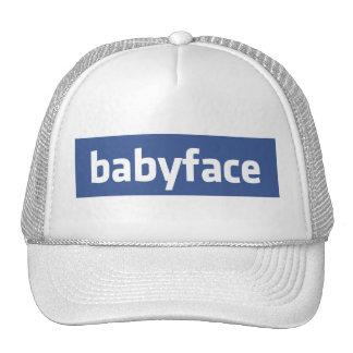 parodia social divertida del establecimiento de gorras